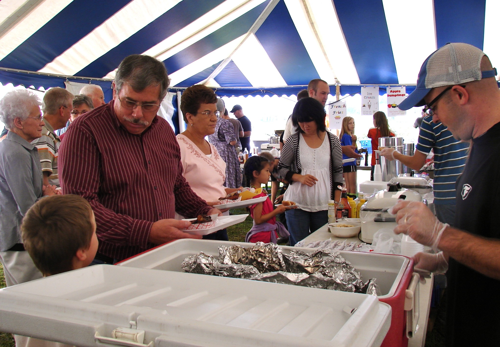HMS Auction 2011-food tent